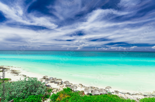 In de dag Rudnes gorgeous amazing, beautiful, stunning view of tropical white sand beach and tranquil turquoise tender ocean on sunny summer day and blue magic deep, blue sky background at Santa Maria island,Cuba