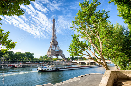 Keuken foto achterwand Eiffeltoren Seine in Paris with Eiffel Tower in sunrise time