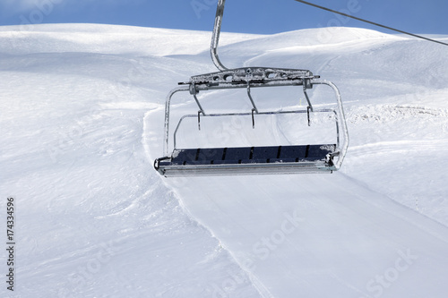 ski-slope-chair-lift-on-ski-resort