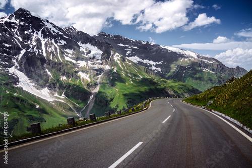Prosta droga w górach