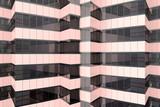 przecięcie szklanych ścian fasadowych - 174412977