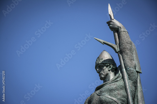 Fotografia, Obraz  Ingolfur Arnarson statue in Reykjavik, Iceland