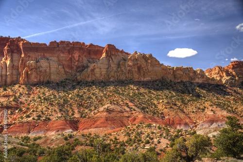 Fototapeta Klify piaskowca wzdłuż szlaku Burr w Grand Staircase