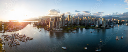 obraz lub plakat Aerial Panorama of Downtown City at False Creek, Vancouver, British Columbia, Canada. Taken during a bright sunset.