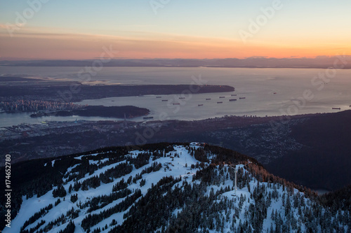 Photo  Aerial view of Grouse Mountain with Vancouver City in the background