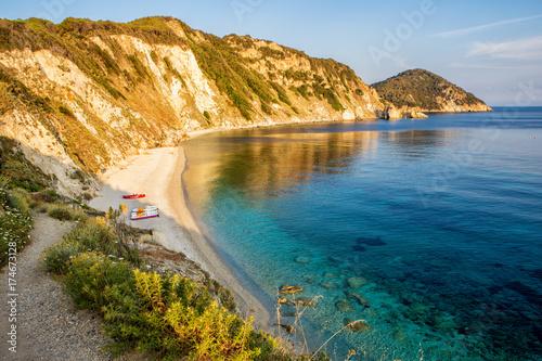 Fotografía  Sansona Beach on Elba at Sunrise