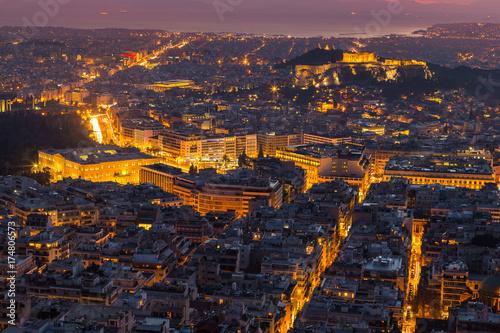 Plakat Panoramiczny widok Ateny od wzgórza Likawitos przy zmierzchem, Grecja