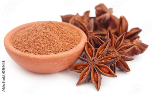 Photo Aromatic star anise with ground spice