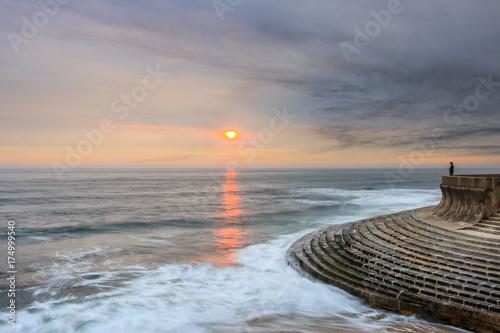 Spoed Foto op Canvas Zee zonsondergang Staring at the sun