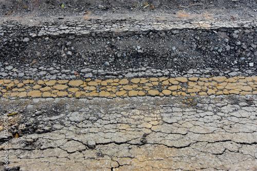 Zdjęcie XXL Stare zalane i zalane drogi i wały zostały zalane.