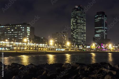 Obraz na dibondzie (fotoboard) Plaża Somorrostro w letnią noc. Barcelona, Hiszpania