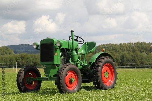 Poster Vintage voitures alter historischer grüner Traktor