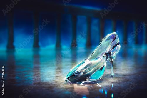 Fotografie, Tablou  3D image of Cinderella's glass slipper on the floor