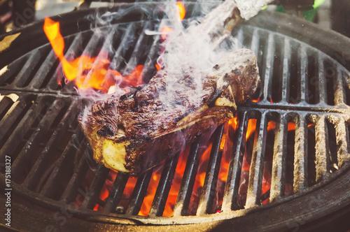 In de dag Grill / Barbecue Flank Steak On Grill