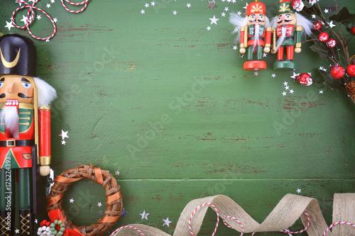 Fotografía  Vintage green wood Christmas holiday background