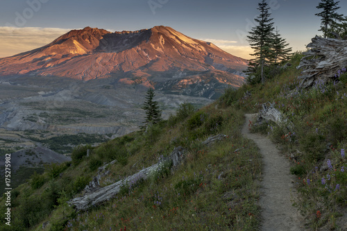 Staande foto Vulkaan Beautiful Mount St. Helens National Volcanic Monument in Washington State, U.S.A.
