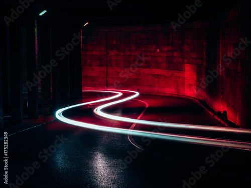 In de dag Nacht snelweg Rastres