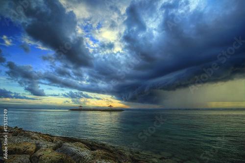 Spoed Foto op Canvas Zee zonsondergang Storm