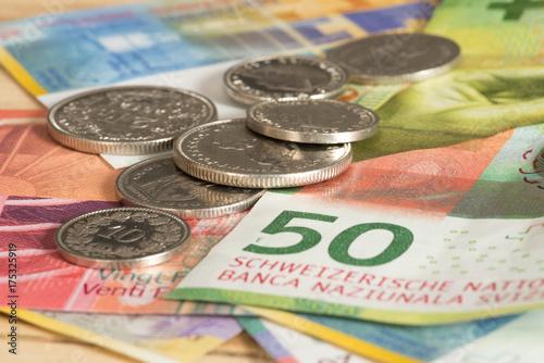 Münzen Und Banknoten Schweizer Franken Acheter Cette Photo Libre