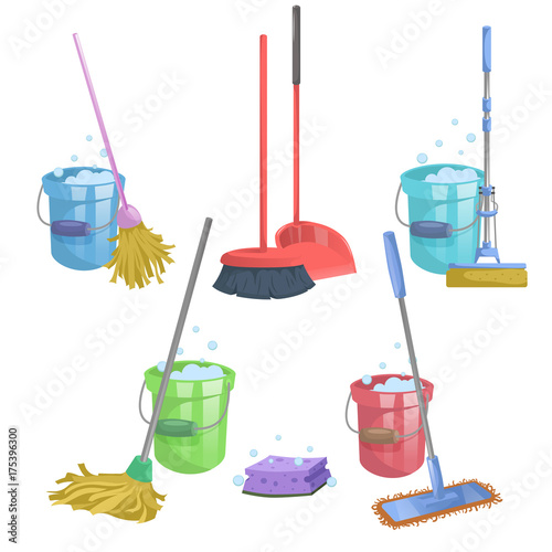 Fotografia Cartoon house and apartment cleaning service icon set