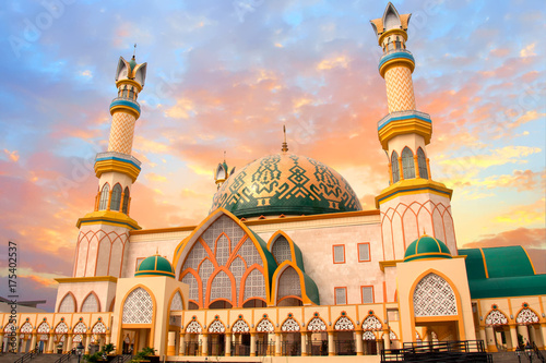 Fotografía  Habbul Wathan Mosque, Islamic Centre of West Nusa Tenggara, Mataram, Lombok, Ind