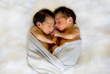 Newborn Twins Boy And Girl Sle...