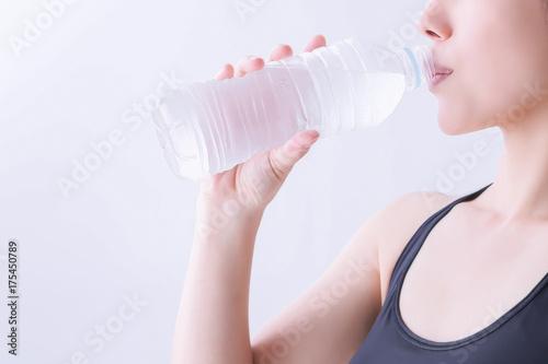 Fotografie, Obraz  水を飲む女性