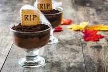 Funny Halloween Chocolate Mous...