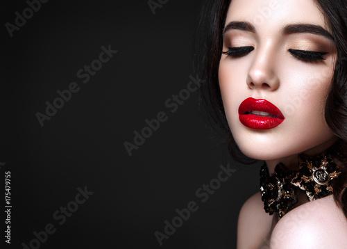 Valokuvatapetti Beautiful woman portrait