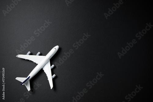 Türaufkleber Flugzeug Miniature airplane isolated