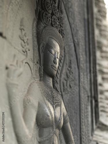 Plakat Zakończenie statua rzeźbił w świątyni, Krong Siem Przeprowadza żniwa, Siem Przeprowadza żniwa, Kambodża