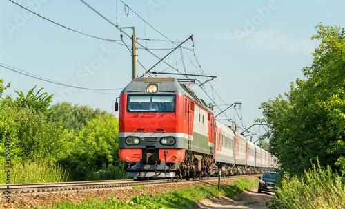 Plakat Lokomotywa elektryczna z pociągiem pasażerskim w Rosji