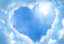 Heart Frame Shaped Clouds On S...