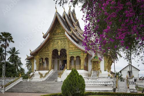 Fotobehang Temple Facade of Royal Temple, Haw Pha Bang, Luang Prabang, Laos