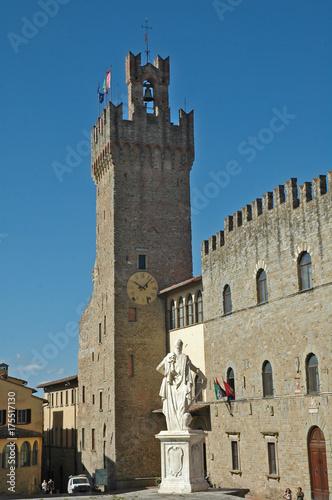 Deurstickers Toscane Arezzo, piazza della libertà e Palazzo Comunale