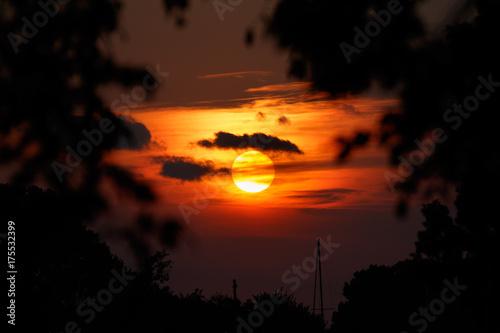 Fotografie, Obraz  Dramatic Sunset at Lake Hefner