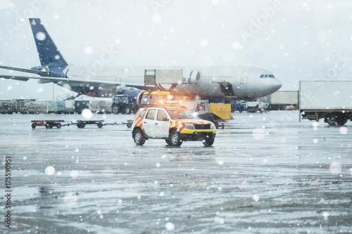 Zdjęcie XXL Lotnisko w śniegu.