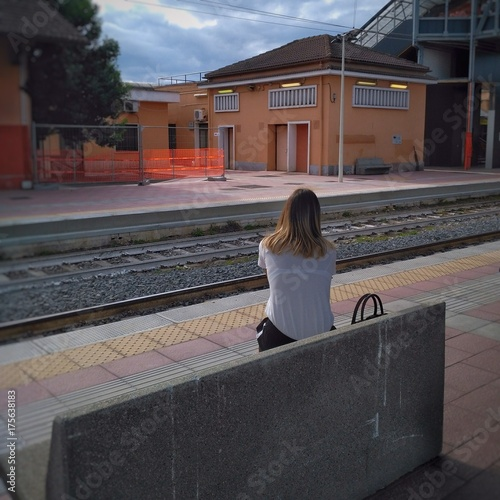 Plakat Kobieta czeka na dworcu