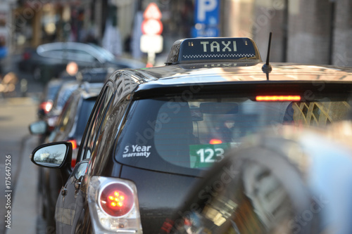 Zdjęcie XXL Taxi uber kierowca ruch drogowy ruch drogowy ruch drogowy miasto miasto samochód auto licencja