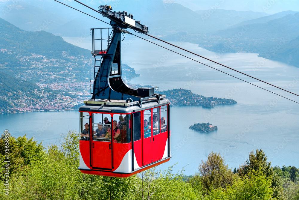 Fototapety, obrazy: Lago Maggiore (Lake Maggiore) cableway cabin mount Mottarone top