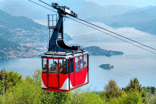 Tuinposter Gondolas Lago Maggiore (Lake Maggiore) cableway cabin mount Mottarone top