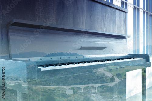 Zdjęcie XXL Zamknij się z ciemnego drewnianego fortepianu, podwójne