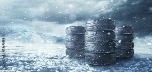Zdjęcie XXL Opony zimowe w śniegu