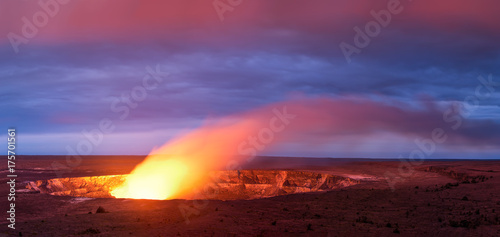 Fototapeta Kilauea volcano crater as it eats at sunset in Hawaii volcano national park, Big