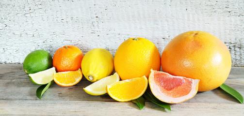 Owoce tropikalne, owoce tropikalne, owoce cytrusowe, drewno, panorama, baner, nagłówek, nagłówek, wysoka rozdzielczość, miejsce na kopię, miejsce na kopię