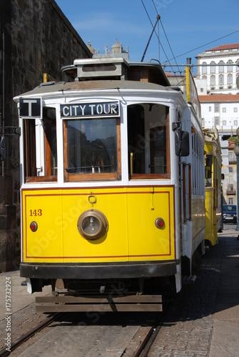 Plakat Portugalski vintage żółty tramwaj