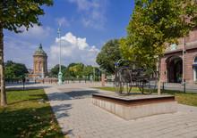 Carl-Benz-Denkmal In Mannheim