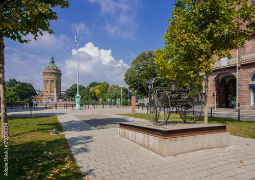 Photo Carl-Benz-Denkmal in Mannheim