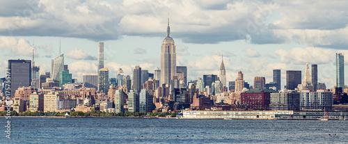Tuinposter New York City Midtown Manhattan Panorama as seen from Jersey City, USA