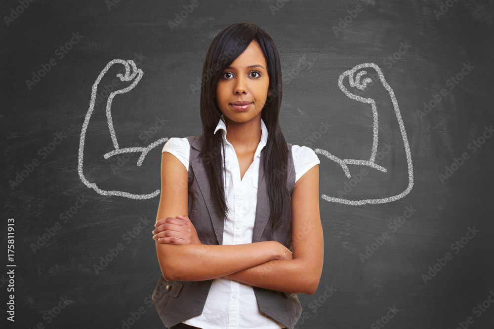 Fototapety, obrazy: Starke afrikanische Frau mit aufgemalten Muskeln